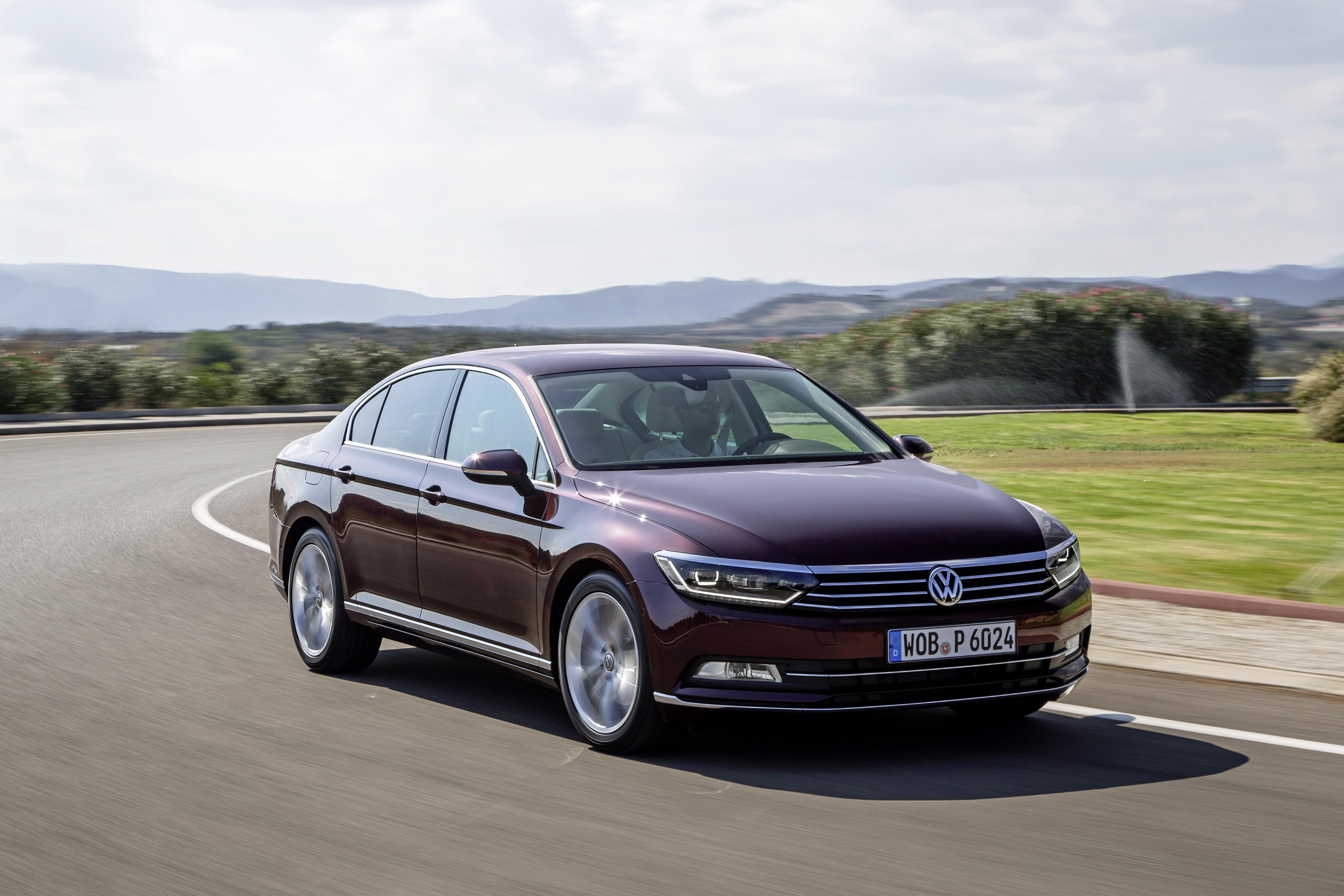 New Volkswagen Passat B8 Features Overview Photo Video