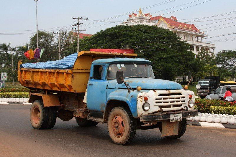 ZIL-130 photo of the dump truck