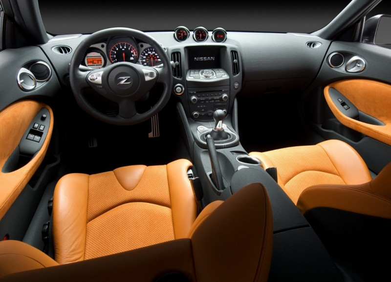 Nissan 370Z photo of the salon