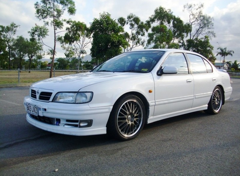 Photo of Nissan Cefiro A32