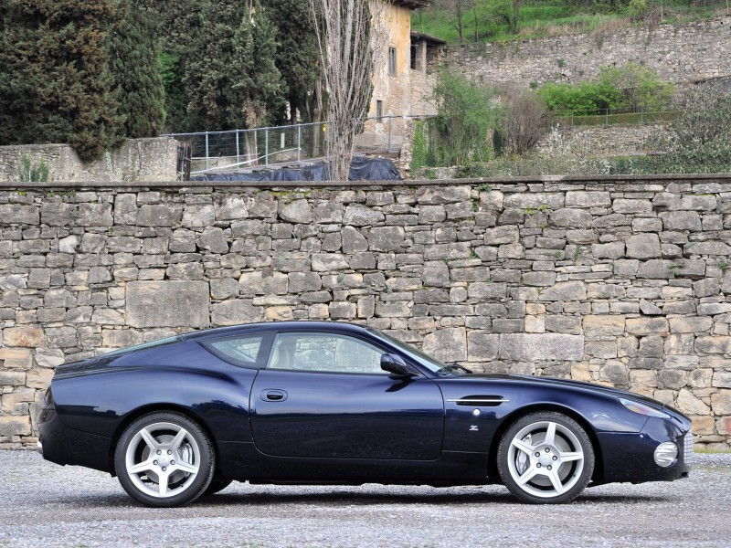 Aston Martin DB7 Zagato side view