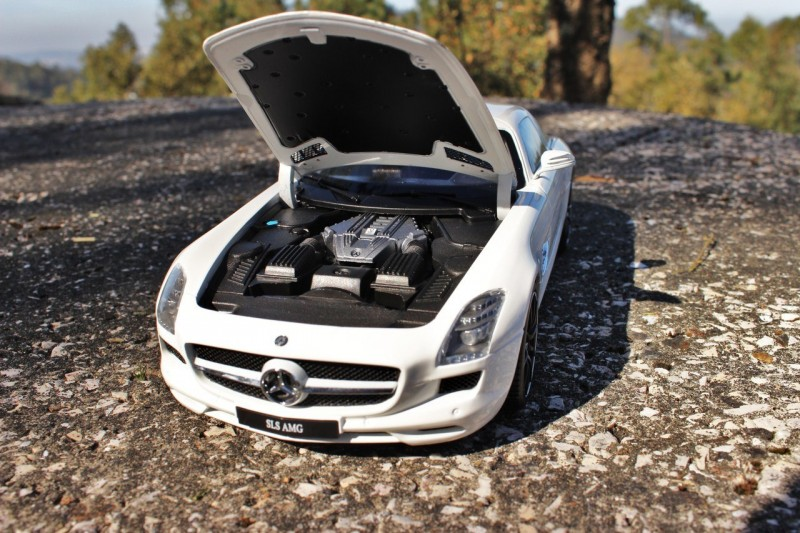 Mercedes-Benz SLS AMG engine