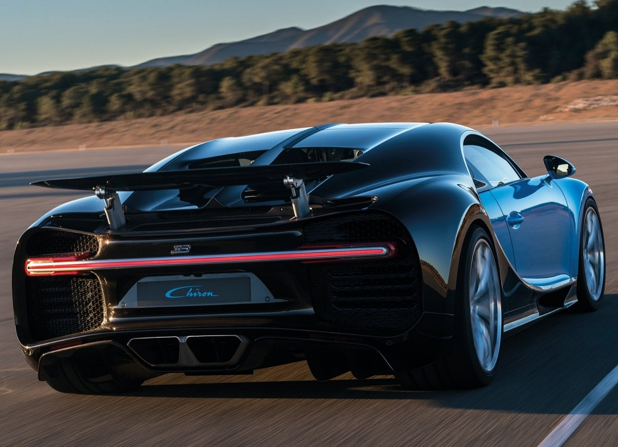 Bugatti Chiron photo
