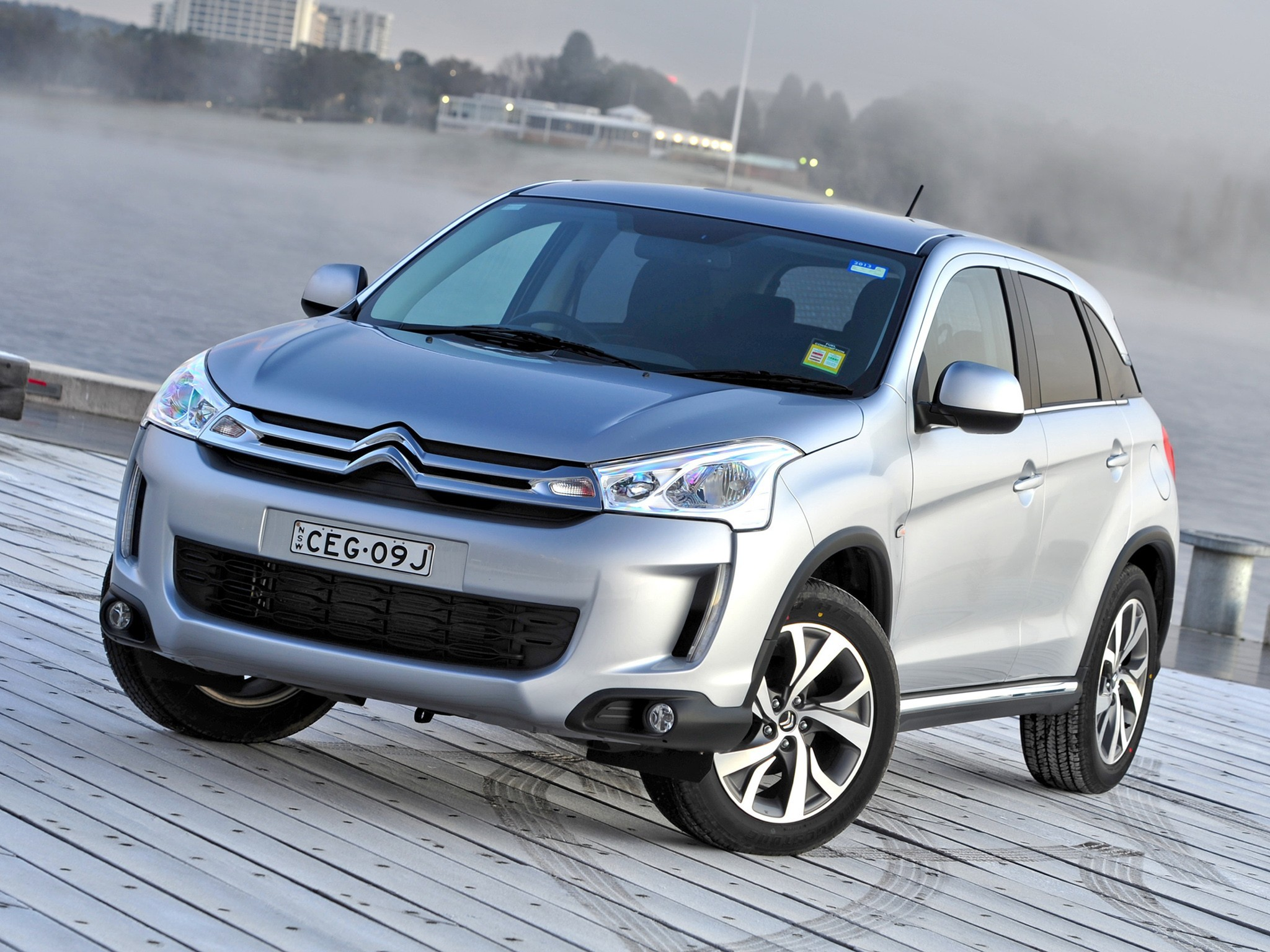 Citroen C4 Aircross - specifications, photo, video ...