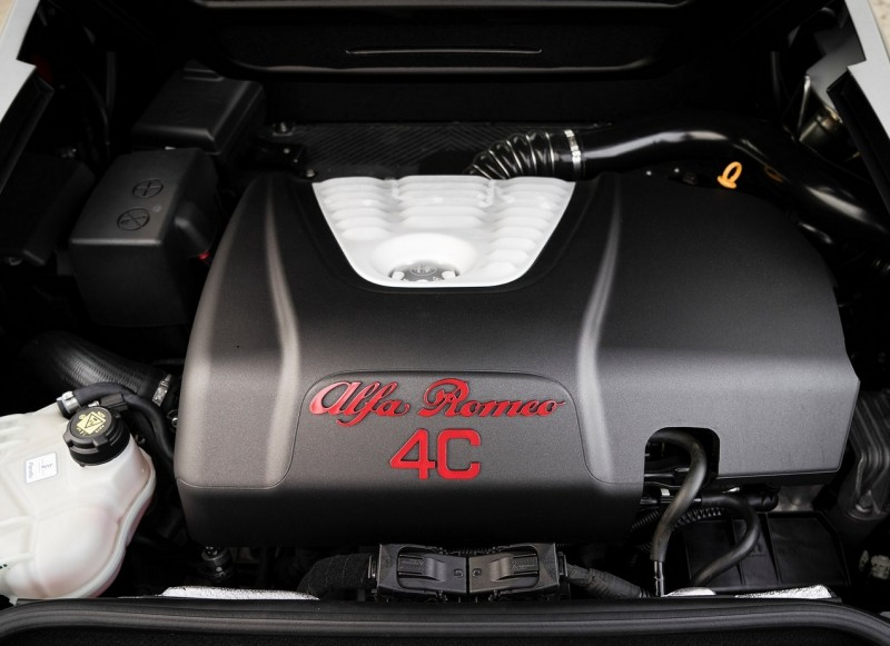 Alfa Romeo 4C Spider engine