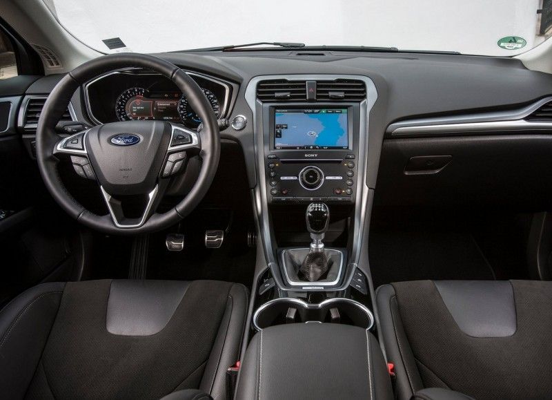 Interior of Ford Mondeo 5