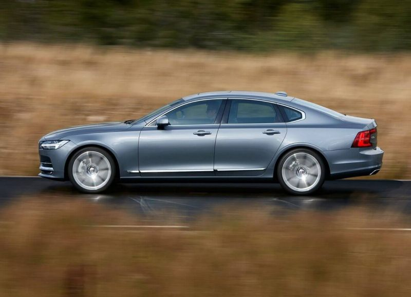 Side view of Volvo S90