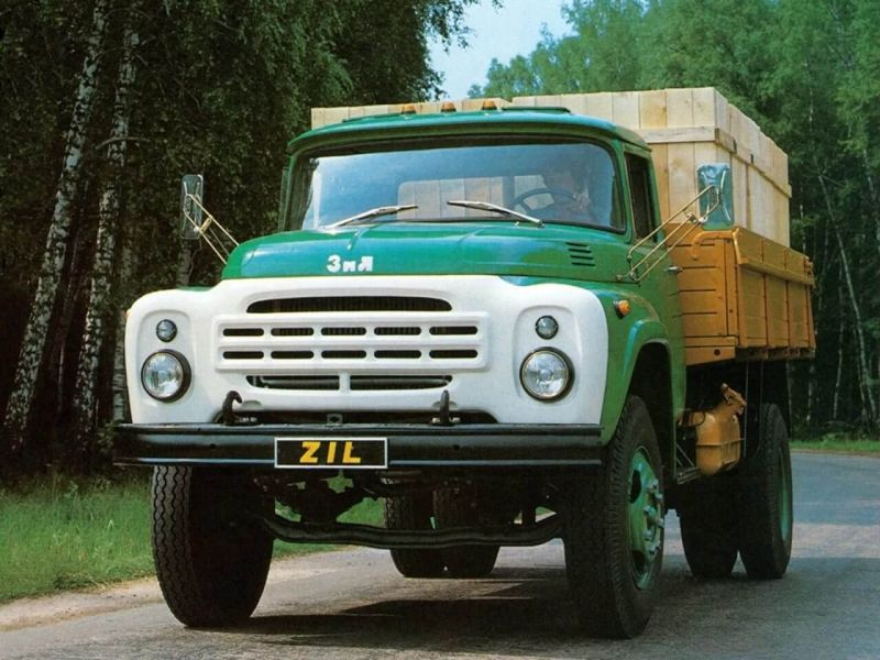 Front view of ZIL-130