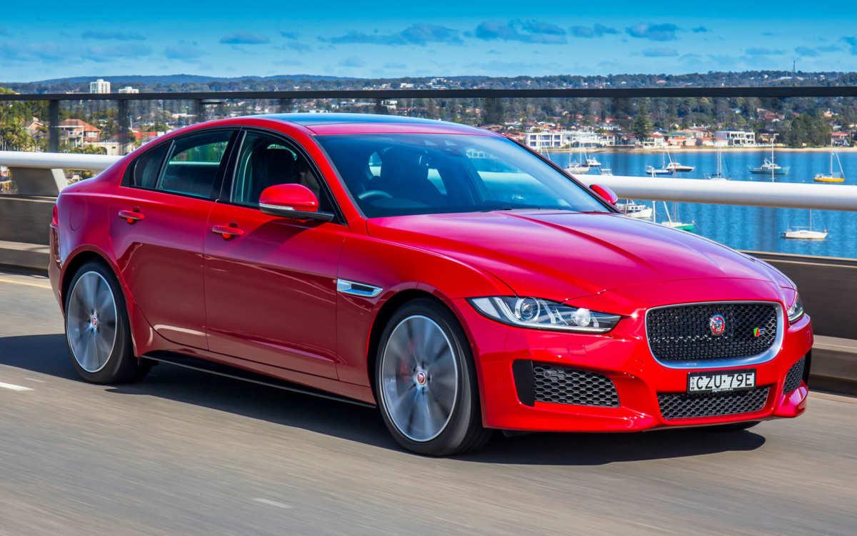 Jaguar XE Photo