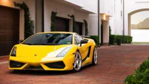 Lamborghini Gallardo is a front view