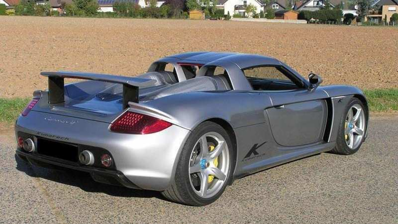 Porsche Carrera GT sports car