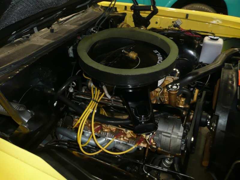 Oldsmobile Rallye 350 engine