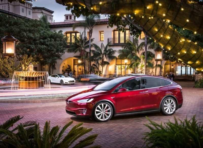 Hatchback Tesla Model X