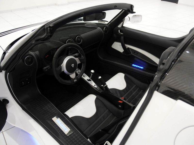 The interior of the Tesla Roadster is designed by the Brabus tuning studio