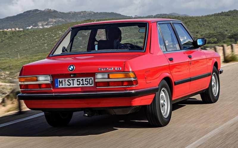BMW M5 E28 rear view