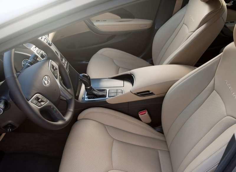 Front seats Hyundai Grandeur V