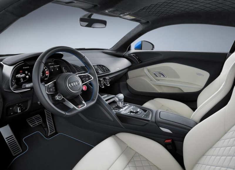 Audi R8 salon