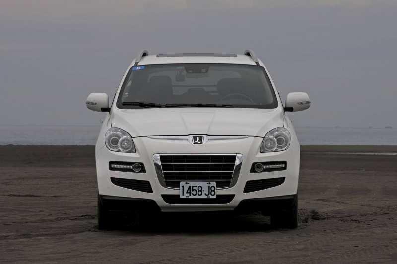 Front view Luxgen 7 SUV