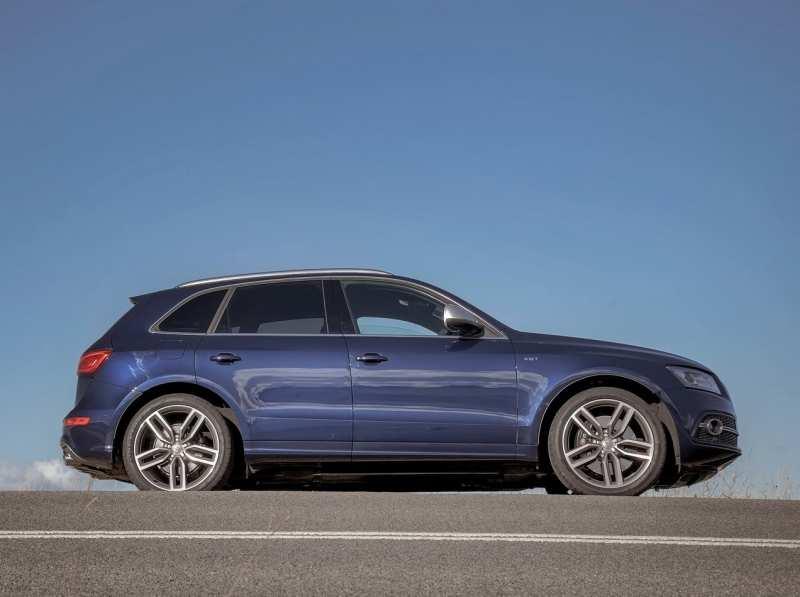 Audi SQ5 side view