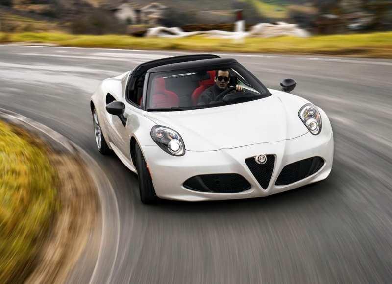 Alfa Romeo 4C Spider front view