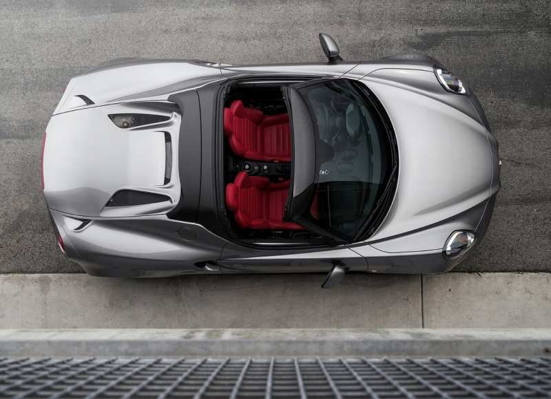 Alfa Romeo 4C Spider top view