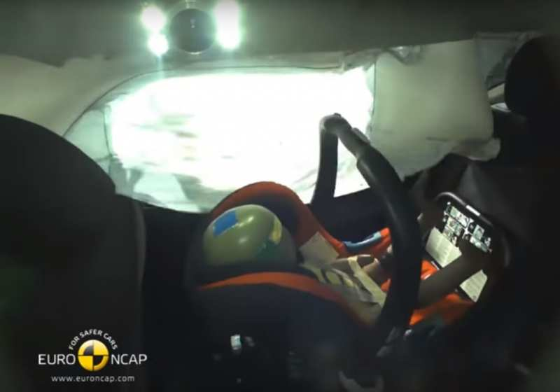 Nissan X-Trail crash test