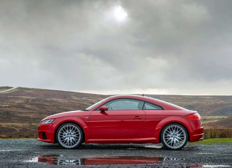 Side view of Audi TT