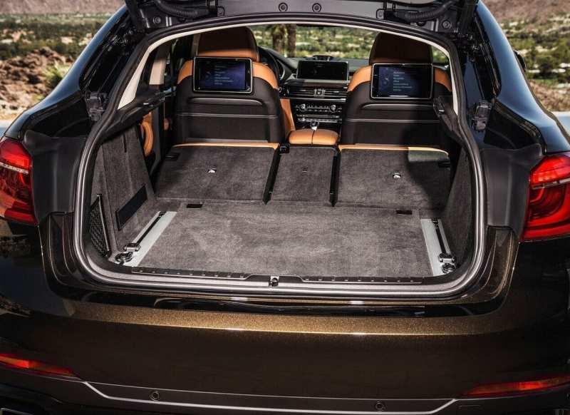 BMW X6M trunk
