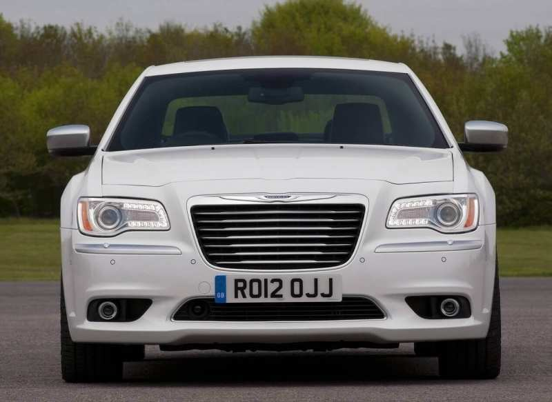 Chrysler 300C front view