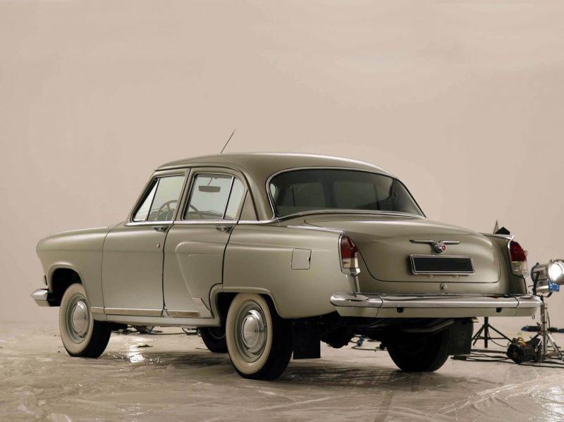rear view GAZ-21