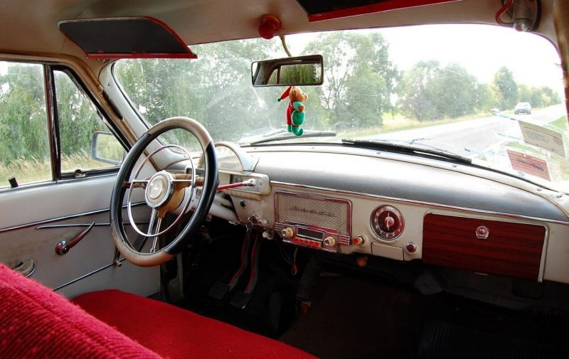 GAZ-21 interior