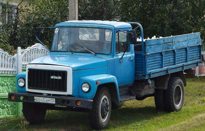 GAZ-3307 truck photo