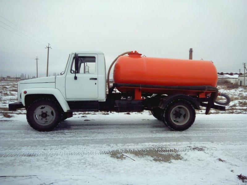 Gas tanker GAZ-3307