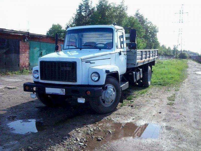 GAZ-3309 front view