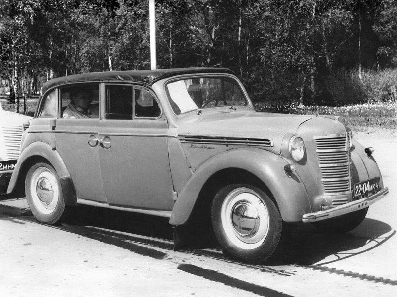 Moskvich-400 car