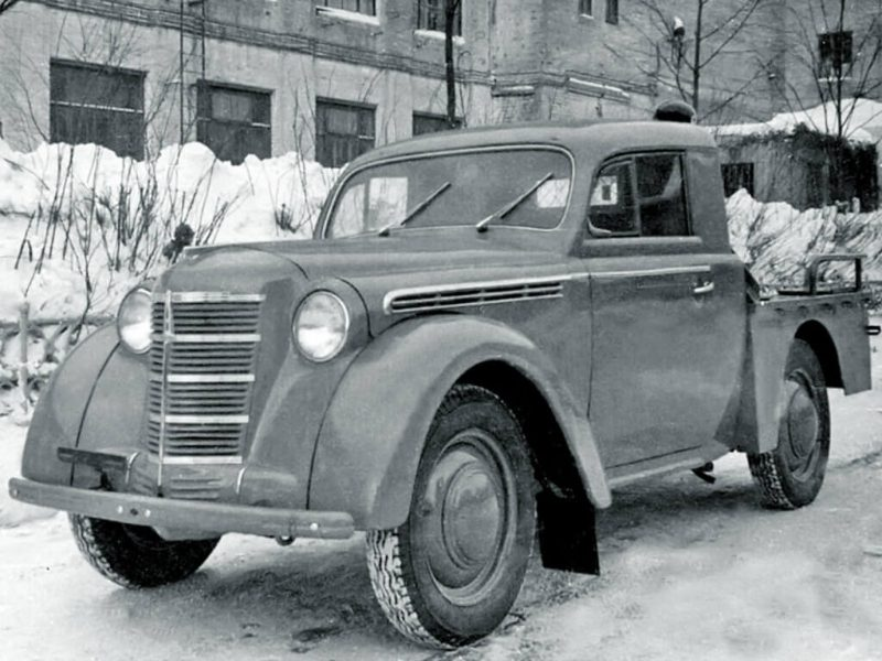 Moskvich-400 pickup