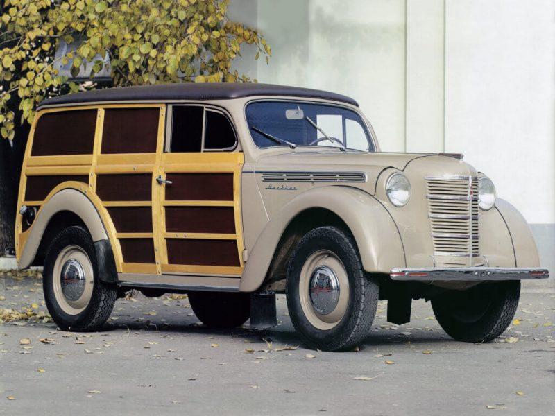Moskvich-400 wood van