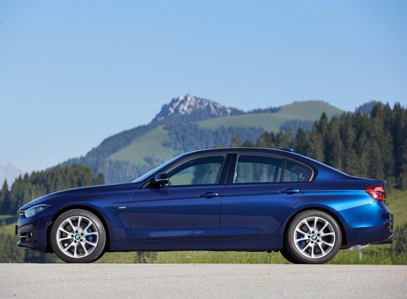 BMW 3-Series side view