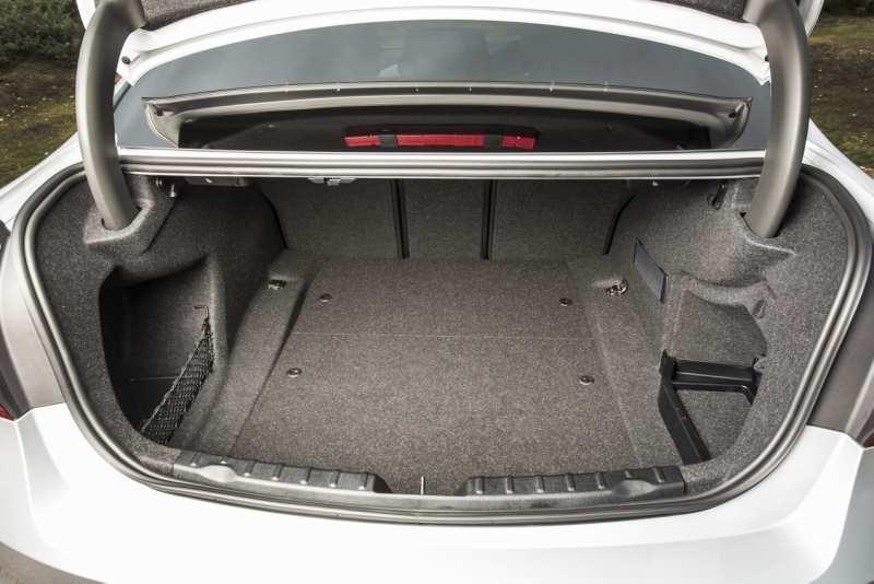 BMW 3 Series boot