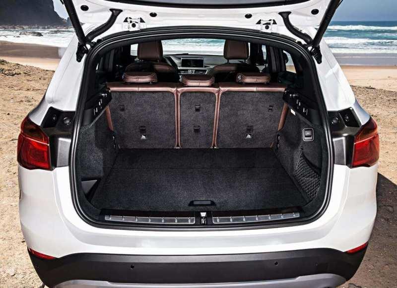 BMW X1 trunk