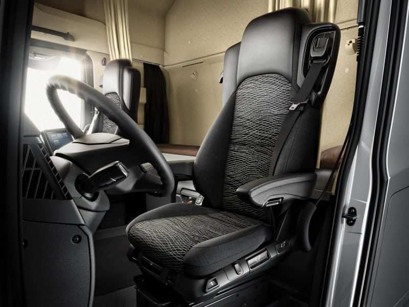 Photo of the Mercedes Benz Actros driver's seat