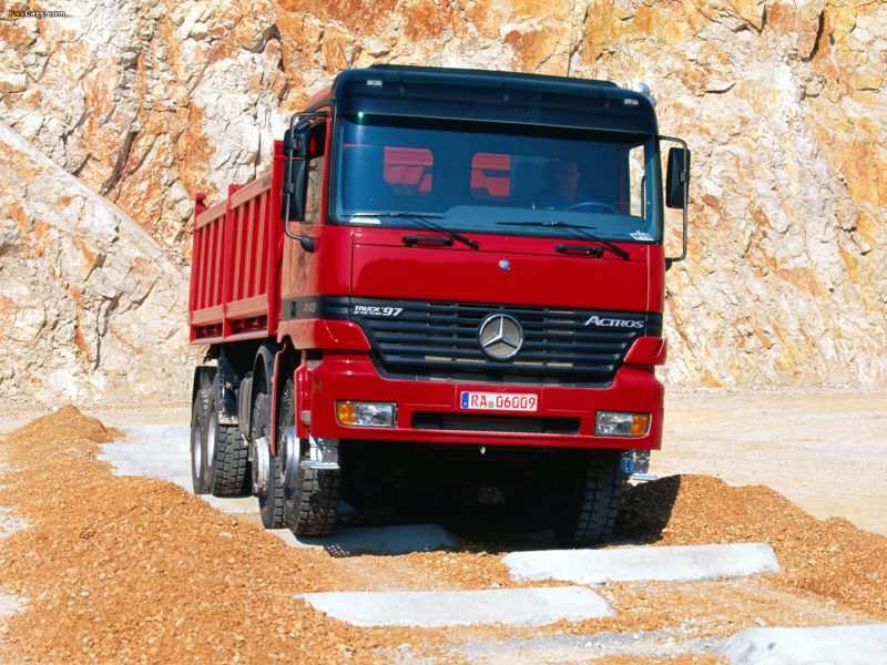 First-generation Mercedes-Benz Actros dump truck