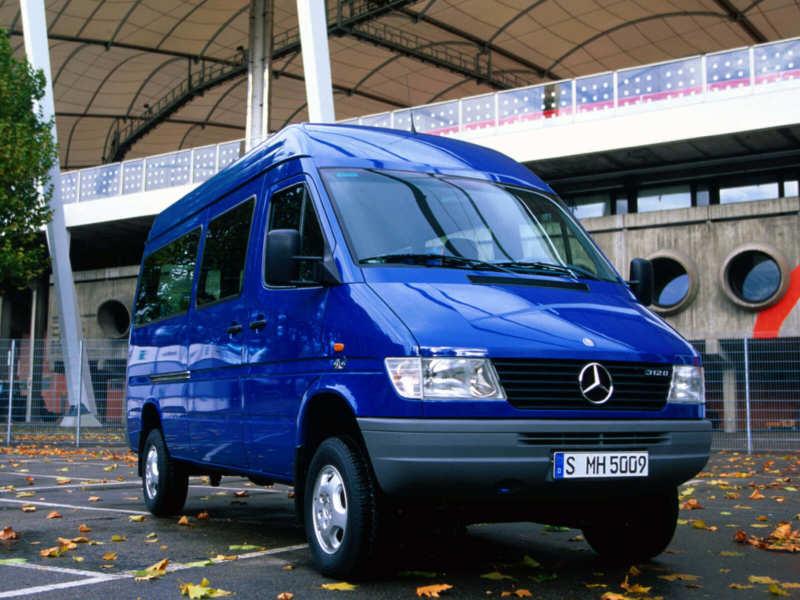 Front view of Mercedes-Benz Sprinter