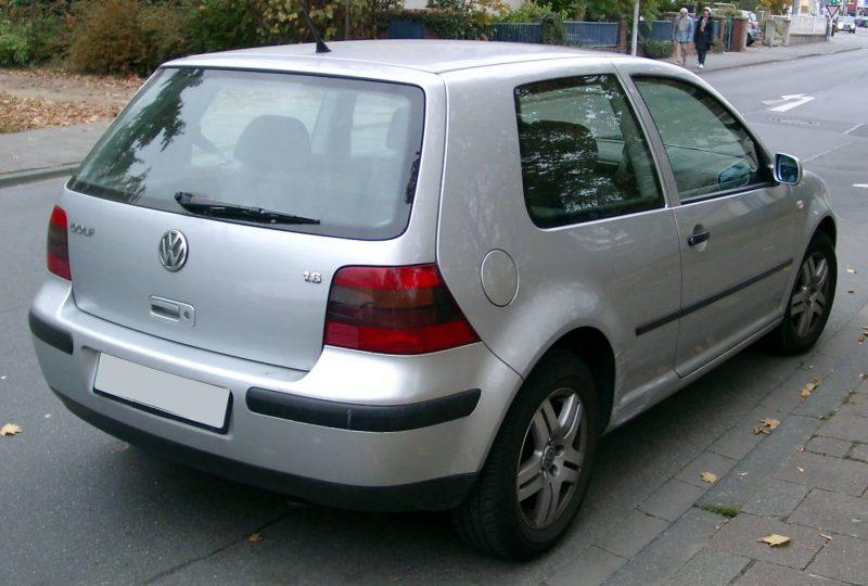 Rear view of Volkswagen Golf 4