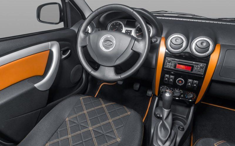 Lada Largus Cross front panel