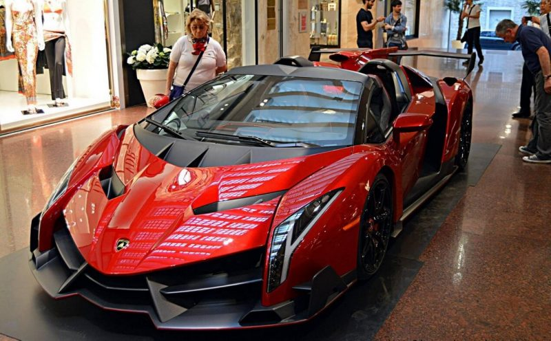 Photo by Lamborghini Veneno Roadster
