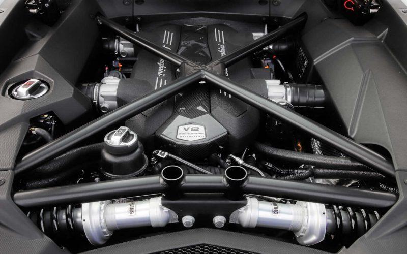 Lamborghini Veneno engine