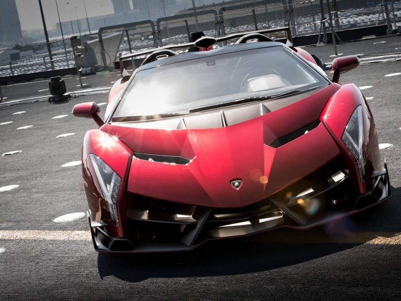 Front view of Lamborghini Veneno Roadster