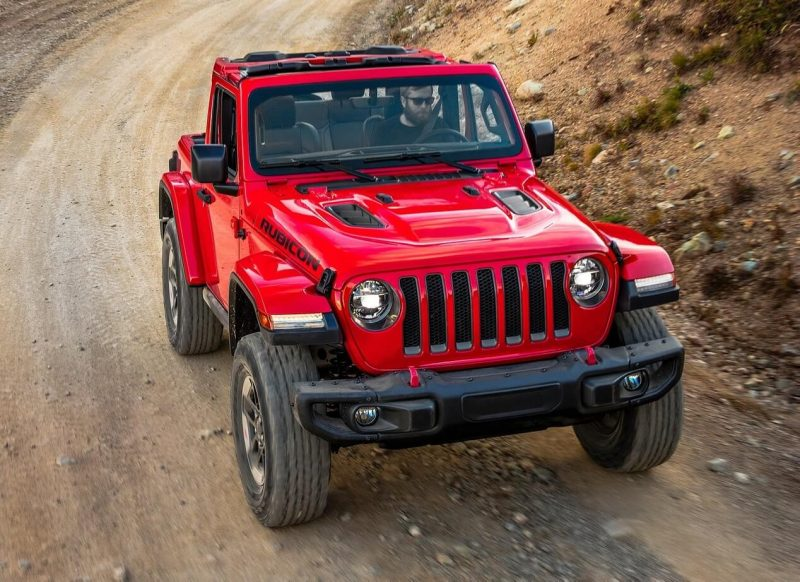 Jeep Wrangler IV front view