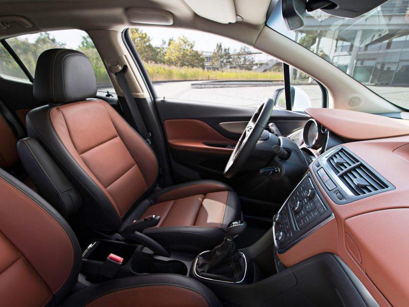 Opel Mokka front seats